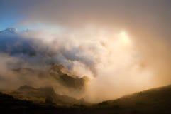 ljus solnedgång för härliga oklarheter Royaltyfri Fotografi