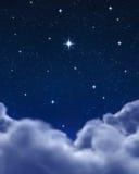 ljus stjärna för avstånd för nattsky Royaltyfria Bilder