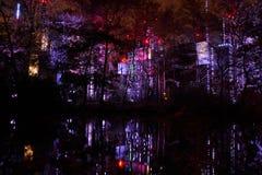 Ljus-struktur på natten Arkivbild