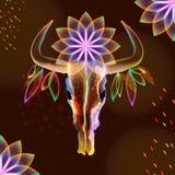 Ljus tjurskalle med blommor över mörker Arkivbilder
