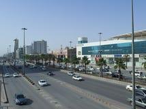 Ljus trafik på konungen Fahad Road Royaltyfri Bild