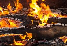 Ljus varm orange bränt bräde för brand flamma Royaltyfri Foto