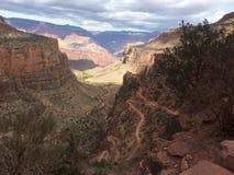 Ljusa Angel Trail i den Grand Canyon nationalparken Fotografering för Bildbyråer
