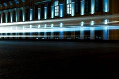 Ljusa blåa billjusslingor Royaltyfria Foton