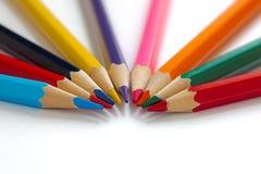 Ljusa blyertspennor tillsammans arkivbilder