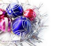 Ljusa färgrika garneringar för jul Royaltyfri Bild