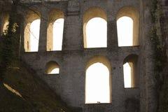 Ljusa fönster i aquaduct Royaltyfri Bild