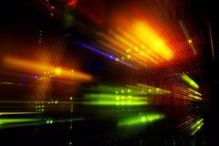 Ljusa indikatorer på värddatordatorhallen i mörkret royaltyfri fotografi