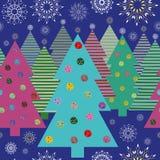Ljusa julgranar och snöflingor på natten vektor illustrationer