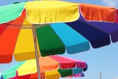 Ljusa och färgrika paraplyer Arkivbild