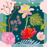 Ljusa sommarfärger Siden- halsduk med att blomma blommor Royaltyfria Foton