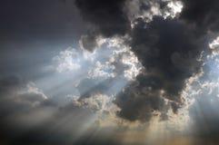 ljusa strålar Arkivfoto