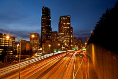 ljusa strimmor för huvudväg Arkivfoton