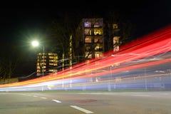 Ljusa strimmor i staden Arkivfoto