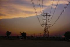 Ljusa torn och hög-spänning linjer Royaltyfri Fotografi