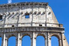 Ljusast sida av Colosseum royaltyfria bilder