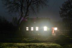 Ljuset i fönstren Arkivfoton