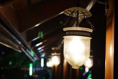 Ljuset på det thailändska huset royaltyfria bilder