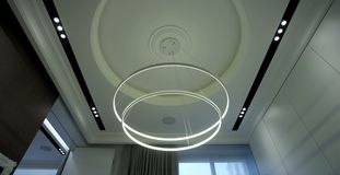 Ljuskrona med lysande, energi-besparing royaltyfria bilder