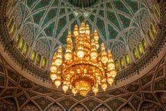 Ljuskronadetalj av Muscat den storslagna moskén - 1 Fotografering för Bildbyråer