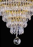 Ljuskronaljus i inre, Chrystal ljuskronanärbild crystal del från ljuskronan, ljuskrona, belysning, utrustning, lyx, Royaltyfria Foton