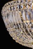 Ljuskronaljus i inre, Chrystal ljuskronanärbild crystal del från ljuskronan, ljuskrona, belysning, utrustning, lyx, Royaltyfri Foto