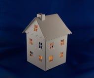 Ljuslykta utan ljus. Tinplate house shaped tealight holder Royalty Free Stock Photo