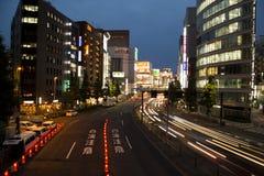 Ljusslingor i Shinjuku på natten royaltyfria foton