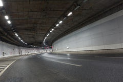 Ljusslingor i tunnel Arkivfoto