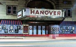 Ljusslingor och den gamla filmbiografen i Hannover, Pennsylvania royaltyfri foto
