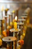 Ljusstake Wat Pa Charoen Tham Arkivfoton