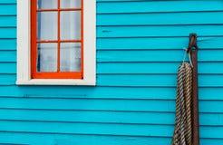 Ljust färgat hus arkivfoton