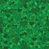 Ljust - grön sömlös modell med hjärtor Arkivbilder