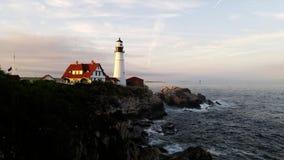 Ljust hus på udde Elizabeth, Maine, USA Arkivfoto