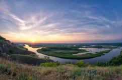 Ljust landskap för sommar på deltan av floden Vorskla Arkivfoto