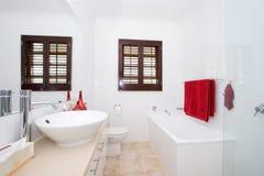 ljust modernt för badrum arkivbilder