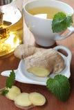 Ljust rödbrun te med mintkaramellen Royaltyfri Bild