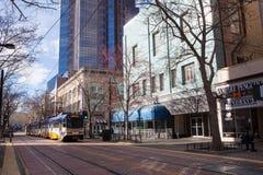 Ljust stångdrev i i stadens centrum Sacramento Arkivfoto