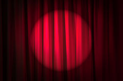 Ljust tända gardiner - theatrebegrepp Royaltyfria Foton
