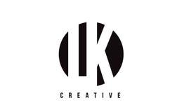 LK L weißer Buchstabe Logo Design K mit Kreis-Hintergrund stock abbildung