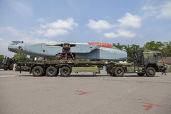 LKW deutsche Armee MANNES GL mit einem auseinandergebauten Panavia-Tornadoflugzeug Stockfotografie