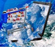 LKW mit Bällen von verschiedenen Ländern im Meer Stockbilder