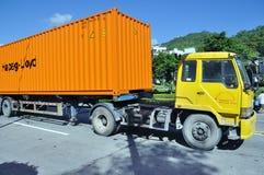 LKW mit Behälter lizenzfreie stockfotografie