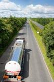 LKW mit Kraftstofftank Stockfoto