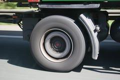 LKW Reifen in Fahrt - vrachtwagenwiel in beweging Royalty-vrije Stock Fotografie