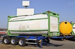 LKW-Schlussteil mit Kraftstoffbehälter Stockbild