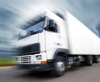 LKW-Transport und -geschwindigkeit Stockbild