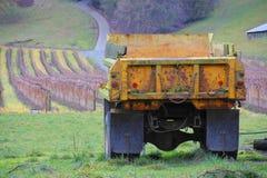 LKW-und Bauernhof-Feld Stockfotografie