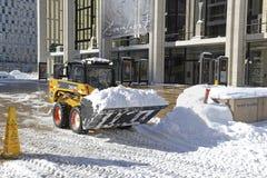 LKWs, die Schnee von den Straßen nach Blizzard säubern Lizenzfreie Stockfotografie
