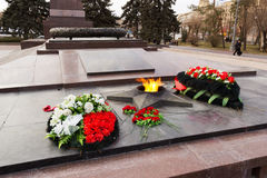 Llama eterna del monumento En el cuadrado de los combatientes caidos imagen de archivo libre de regalías